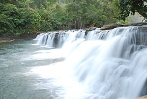 Tinuy-an Falls - The Tinuy-an Falls water curtain from the first tier