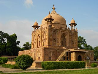 Allahabad - Tomb of Nithar Begum (daughter of Mughal Emperor Jahangir) at Khusro Bagh.