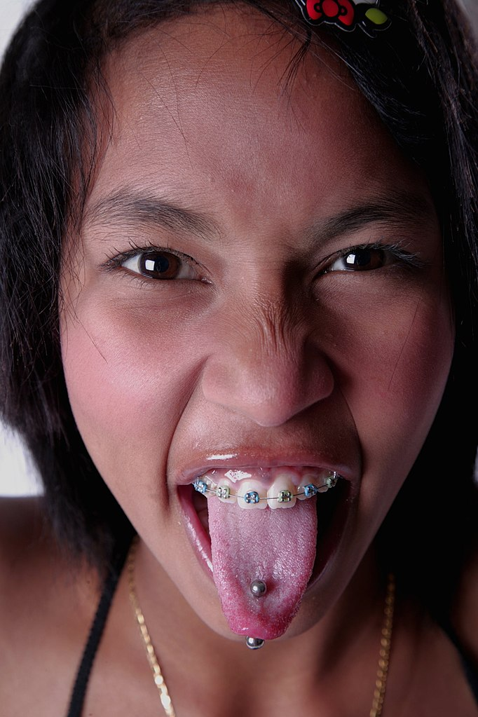 How To Use A Tongue Ring