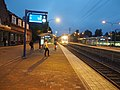 Train to Helsinki arriving at Hämeenlinna railway station.jpg