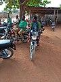 Transport dans le plateau du Bénin 09.jpg