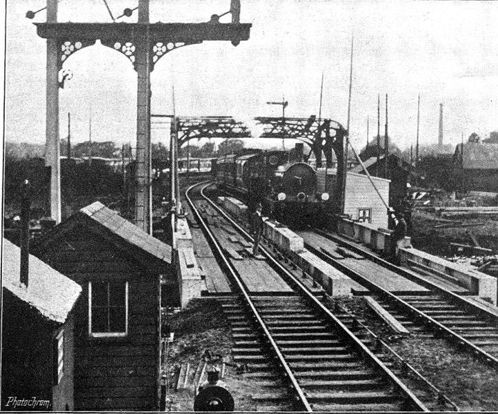 File:Trowse new swing bridge, in service (Railway Magazine, 100, October 1905).jpg