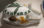 Tureen and Lid, Staffordshire, England, 1800-1840, earthenware (pearlware) - Winterthur Museum - DSC01341.JPG