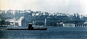 Turecki okręt podwodny TCG Sakarya (S-332) na morzu w 1973.jpg