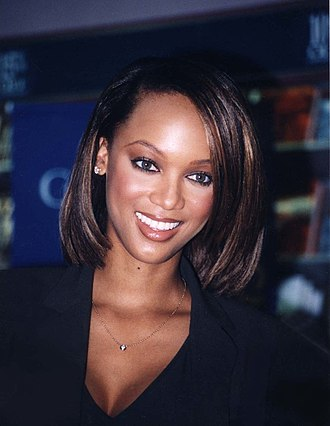 Tyra Banks - Banks at a book signing