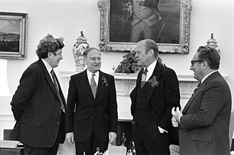Garret FitzGerald - Garret FitzGerald (l-r) with Taoiseach Liam Cosgrave, US President Gerald Ford and Secretary of State Henry Kissinger in the Oval Office St Patrick's Day 1976