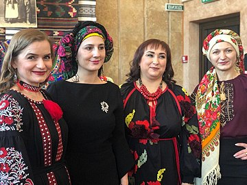 Ukrainian Headscarf Day, 2020 - 02.jpg