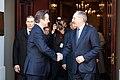 Valsts prezidents Andris Bērziņš tiekas ar Apvienotās Karalistes Ministru prezidentu Deividu Kameronu (8515577010).jpg