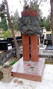 Vaqif Mustafazadənin məzarı.jpg