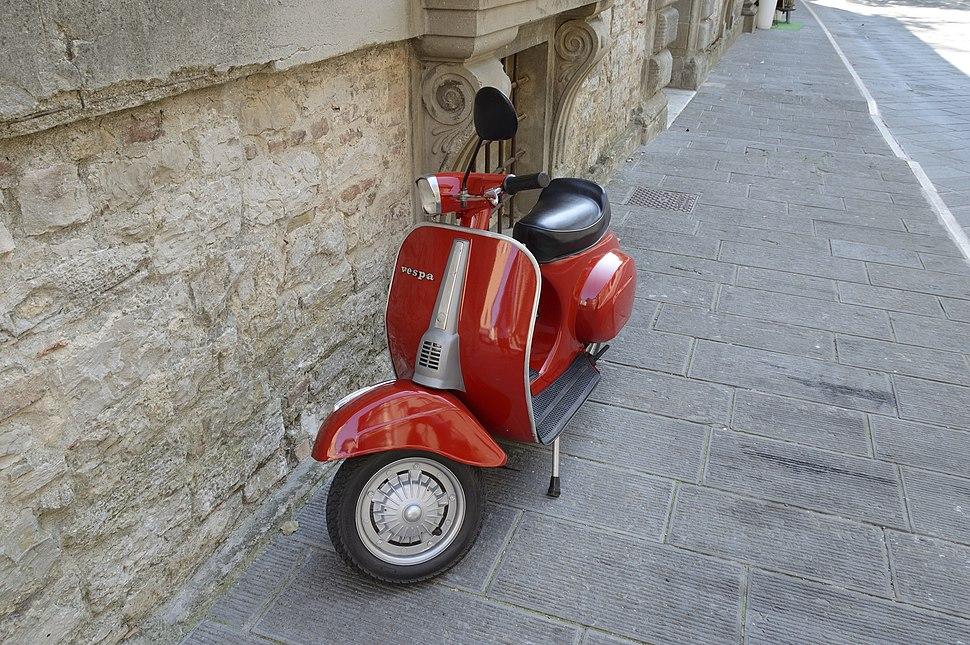 Vespa a Todi