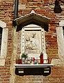 Virgin Mary shrine in Cannaregio.JPG