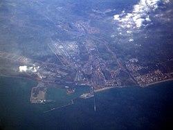 Vista area de el Puerto de Sagunto.jpg