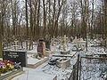 Volkovskoe cemetery graves 4.jpg