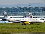 Vueling, Airbus A320-232, EC-LQN (14236817442).jpg