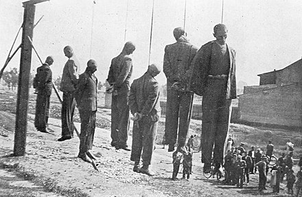 German public execution of Poles, Krakow, 26 June 1942 WWII Krakow - 04.jpg