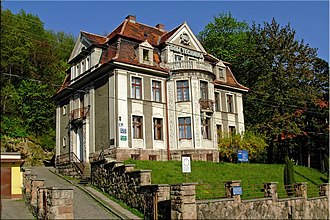 Wałbrzych - Dom Technika Building