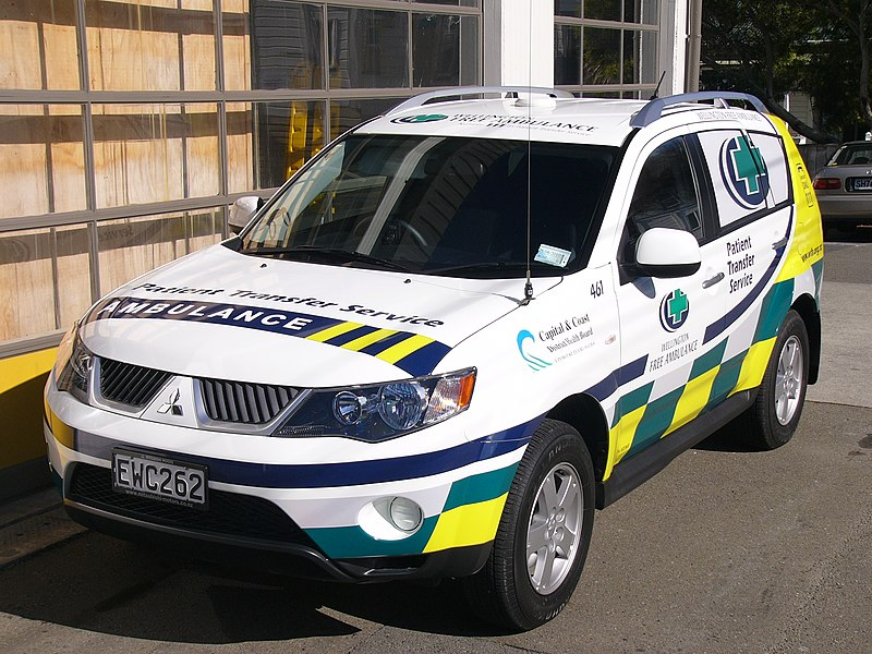 Wellington Free Ambulance Patient Transfer Car 461, Mitsubishi Outlander.jpg
