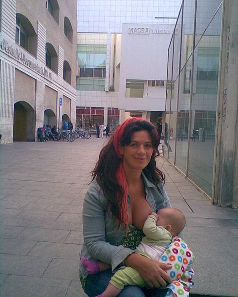 File:Woman breastfeeding baby (2580507955).jpg