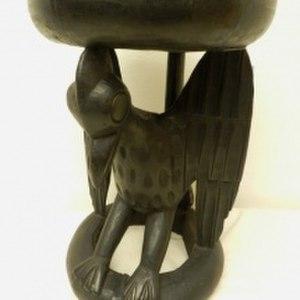 Bamessing - Wooden-cordial-bird-stool-blackened.