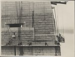 Workers on the south-western pylon of the Sydney Harbour Bridge, 1932 (8283768884).jpg
