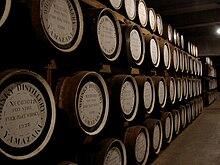 Botti di whisky a stagionare nello stabilimento della distilleria Yamazaki, a Shimamoto, nella prefettura di Osaka