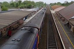 Yatton railway station MMB 30 153361 150127.jpg
