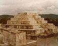 Zaculeu Temple 1979.jpg