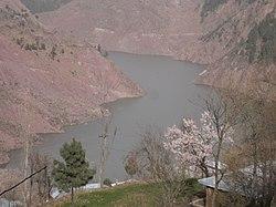 Zalzala Lake near Chikkar, AJK - panoramio.jpg