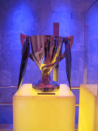 2009–10 Turkish Cup - Picture of the trophy, won by Trabzonspor.