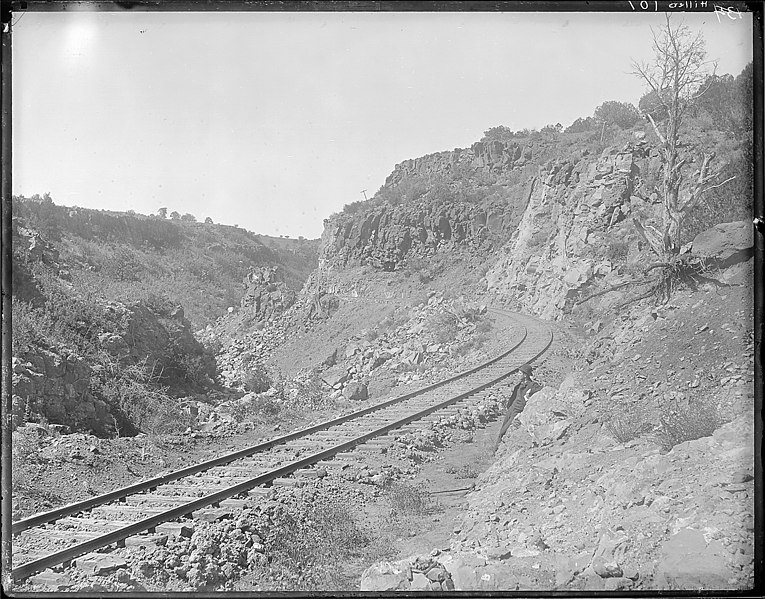File:(Old No. 134) Johnson Canyon, Santa Fe RR, east of *Ash Fork Coconino County, Arizona. Who is the clean shaven... - NARA - 517780.jpg