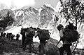 Альплагерь «Узункол» 72-76 (12) в горах с дровами.jpg