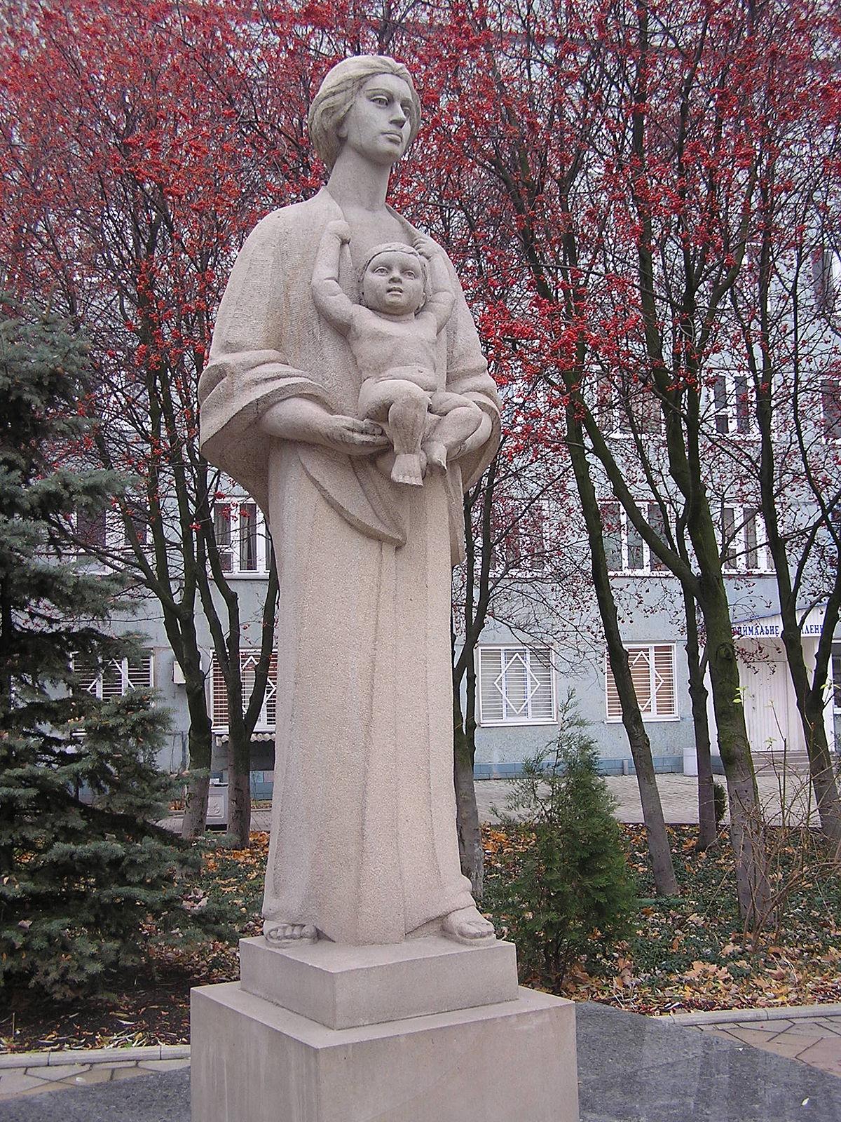 Памятник женщине ограда кованная на могилу