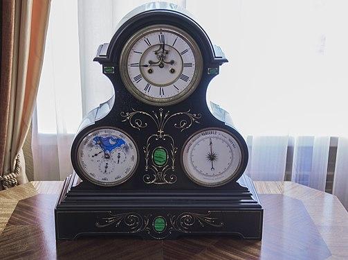 Часы с барометром.jpg