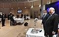 ראובן ריבלין וגבי אשכנזי מדליקים נר של חנוכה במשרד החוץ - 2020.jpg