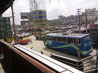 Elenga - Elenga Bus Stand a busy place of Elenga Municipality.