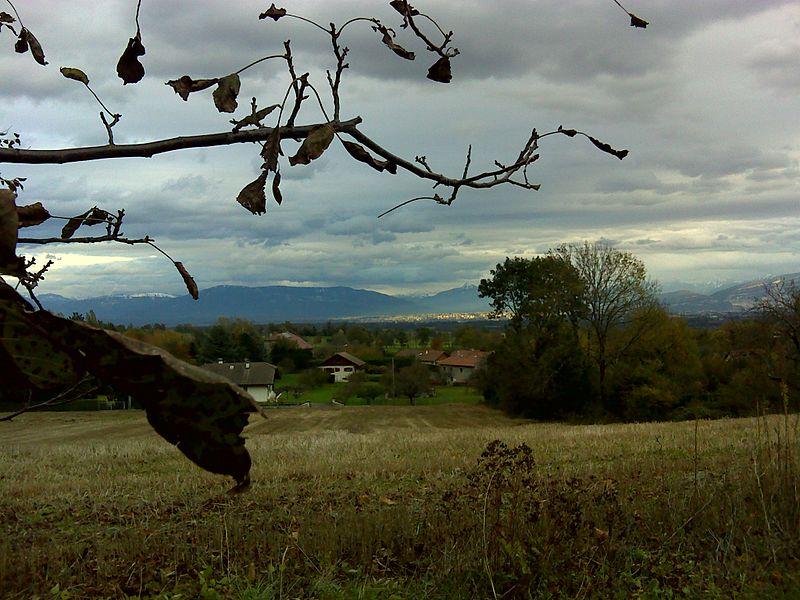 01170 Chevry, France