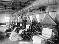 13x18 Stofafzuiginstallatie in een textielfabriek, Bestanddeelnr 256-1221.jpg