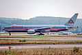 140af - American Airlines Boeing 777-223ER; N799AN@ZRH;25.07.2001 (4748275102).jpg