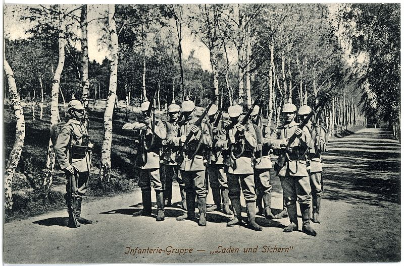 File:17799-Dresden-1914-Infanterie auf dem Marsch-Brück & Sohn Kunstverlag.jpg