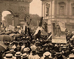 1907- Manifestation des viticulteurs à Montpellier.jpg