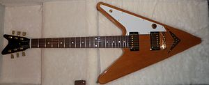 Gibson Flying V - Image: 2007 Reverse Flying V in Trans Amber