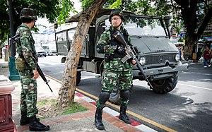 2014 Thai coup d'état - Image: 2014 0526 Thailand coup Chang Phueak Gate Chiang Mai 02