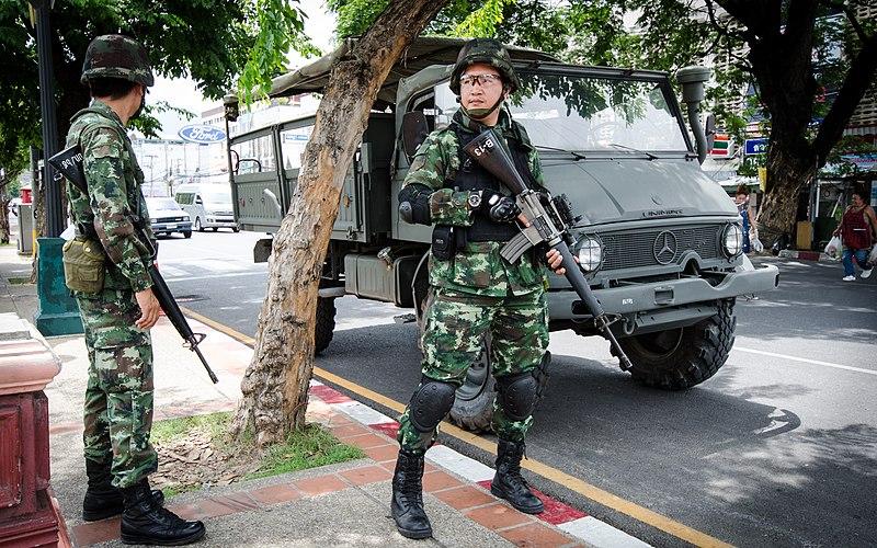 File:2014 0526 Thailand coup Chang Phueak Gate Chiang Mai 02.jpg