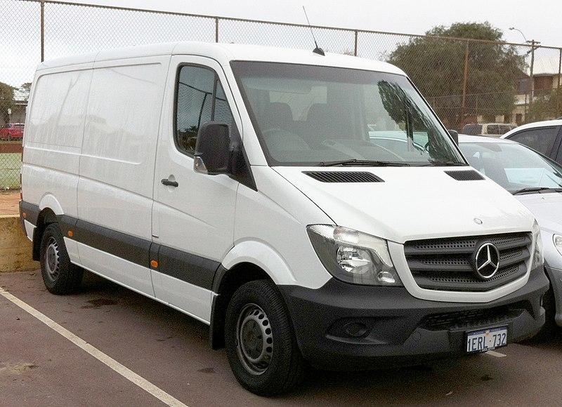 2015 Mercedes-Benz Sprinter (W 906) 313 CDI MWB van (2015-08-29).jpg