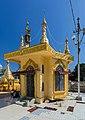 2016 Rangun, Pagoda Botahtaung (41).jpg