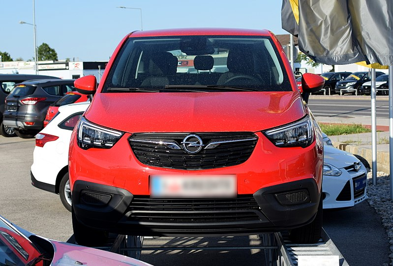 file 2017 opel crossland x front red 2 wikimedia commons. Black Bedroom Furniture Sets. Home Design Ideas