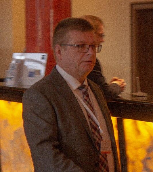 File:2018-11-30 Thomas Haldenwang Innenministerkonferenz in Magdeburg-2307.jpg