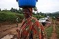 27 mars 2015. Nord Kivu, RD Congo. Une femme sourit lors du passage d'une patrouille terrestre de la MONUSCO sur l'axe Nyanzale - Kichanga. (16395021284).jpg