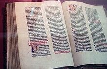 36-zeilige Gutenberg-Bibel (ca. 1461) im Plantin-Moretus-Museum Antwerpen (Quelle: Wikimedia)