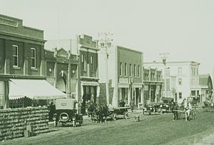 Vermilion, Alberta - Looking northeast along 49th Avenue, 1912